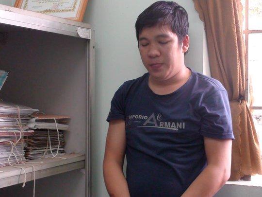 Huỳnh Thanh Long tại cơ quan công an
