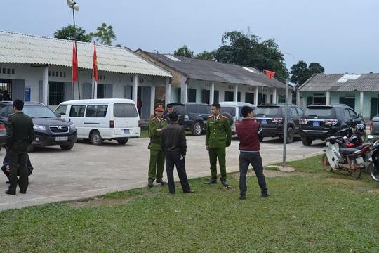 Nghi phạm đã bị bắt giữ và đang được lực lượng chức năng khẩn trương lấy lời khai làm rõ nguyên nhân vụ thảm sát - Ảnh: Thanh Tâm