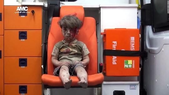 ...muốn cho cậu bé Syria một mái nhà mới. Ảnh: AMC