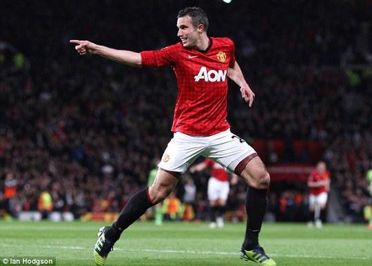 """Van Persie """"đá đểu"""" Mourinho ngày trở lại M.U"""