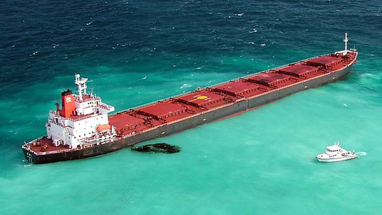 Tàu Shen Neng 1. Ảnh: COURIER MAIL