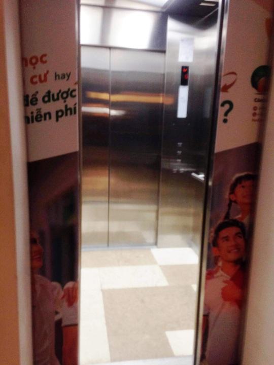 Vụ người đàn ông chết trong thang máy: Lỗi người giao hàng?