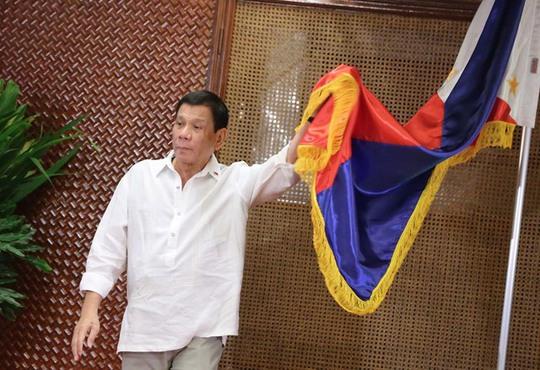 Tổng thống Duterte: Philippines vẫn sống dù không có viện trợ nước ngoài. Ảnh: RAPPLER
