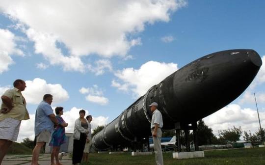 Tên lửa RS-36M mà NATO gọi là Satan. Ảnh: REUTERS