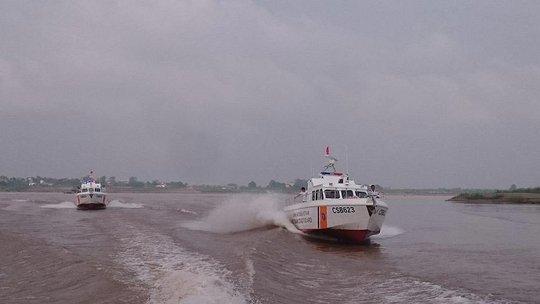 Xuồng cao tốc vừa được bàn giao cho Cảnh sát biển Việt Nam