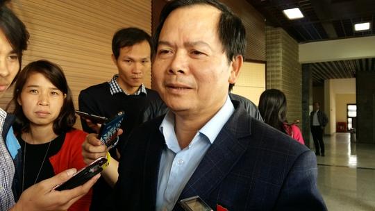 Bí thư quận ủy Tây Hồ Nguyễn Văn Thắng khẳng định không có chuyện chi hơn 100 tỉ đồng mà không hút được khối (m3) bùn nào
