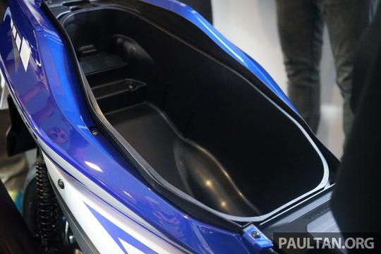 Chi tiết Yamaha NVX - mẫu xe ga thay thế Nouvo