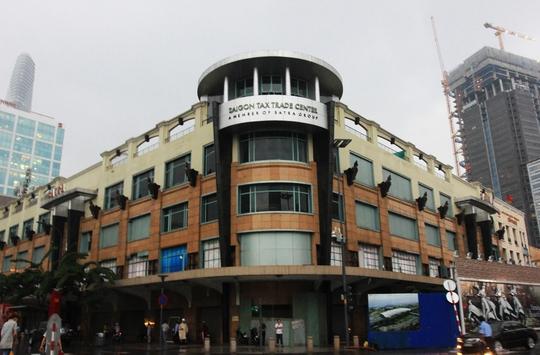 Tính tới thời điểm hiện nay, Thương xá Tax là trung tâm thương mại lâu đời, nổi tiếng hàng đầu với 136 năm hình thành phát triển tại TP HCM, với diện tích 9.200 m2 nằm ngay trung tâm quận 1, tiếp giáp 3 đại lộ Nguyễn Huệ, Lê Lợi và Pasteur.