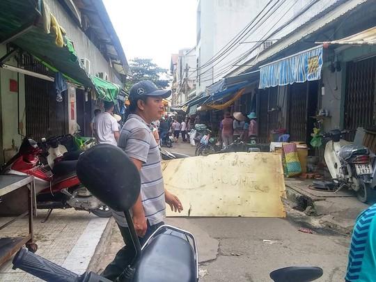 Tiểu thương tại chợ Tân Trụ (quận Tân Bình) chưa hết bàng hoàng sau vụ án mạng đau lòng