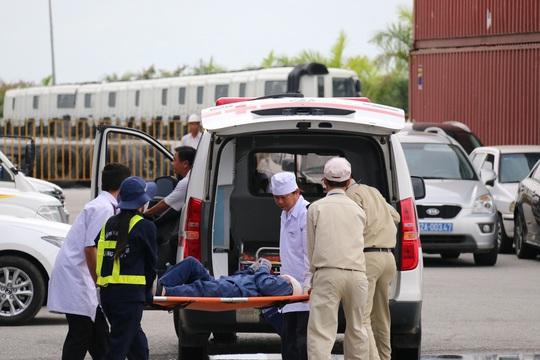 Kịch bản cũng đưa ra phương án cấp cứu người bị thương khi tham gia cứu hộ