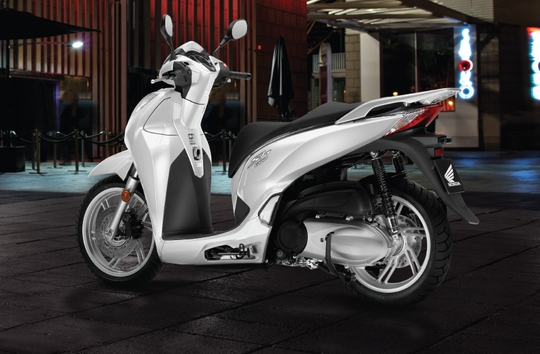 SH300i ABS phiên bản màu trắng