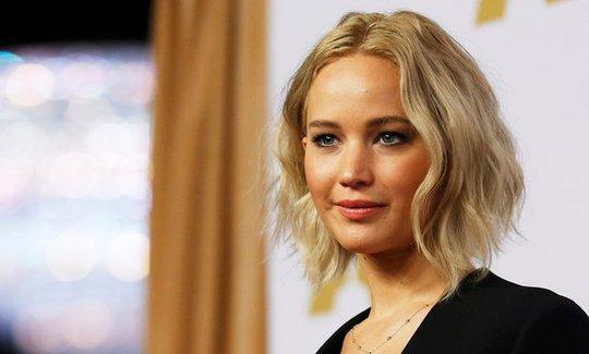 Jennifer Lawrence cũng là nạn nhân bị tung ảnh