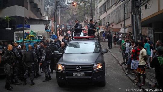 Năm 2015, cảnh sát Brazil giết hơn 3.300 người, trung bình 9 người/ ngày. Ảnh: A Lacerda