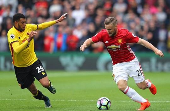Luke Shaw bị Mourinho chỉ trích nhiều ở trận thua Watford