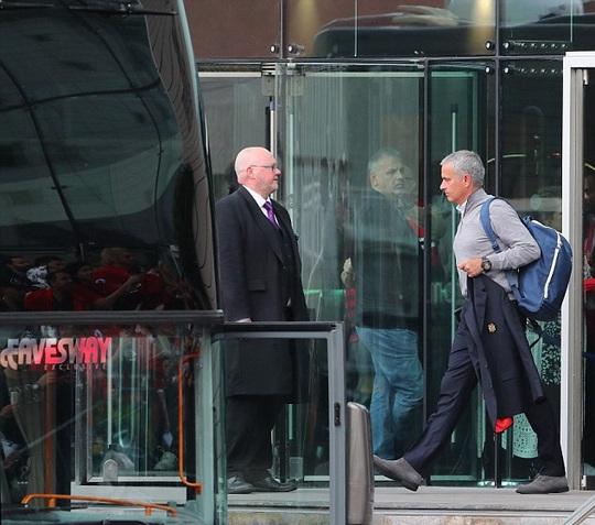 Mourinho cảm thấy không thoải mái với cuộc sống hiện tại dù ở trong khách sạn hạng sang