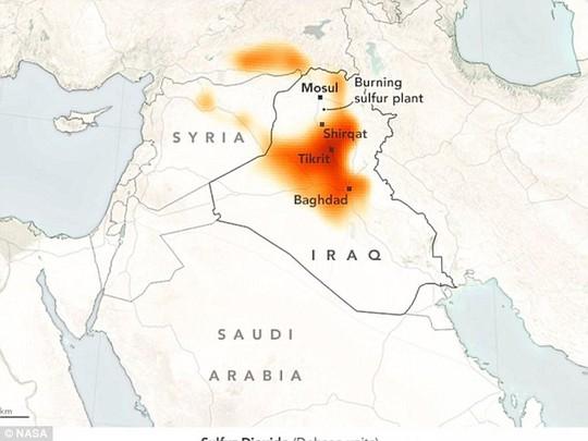 Hình ảnh vệ tinh của NASA hôm 22-10 cho thấy tầm ảnh hưởng của đám khói độc. Ảnh: NASA