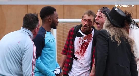 Các cầu thủ Man City trong một trò chơi ma quái đón Halloween