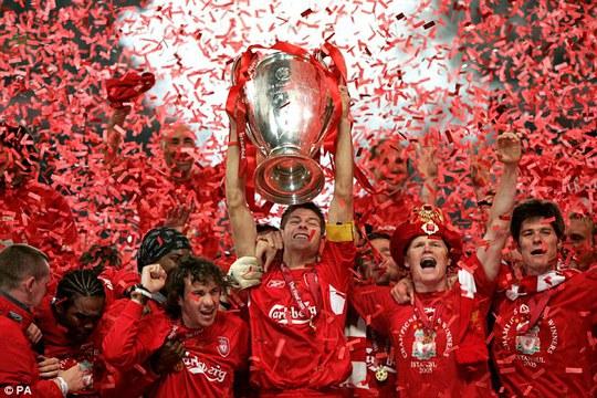 Gerrard vô địch Champions League cùng Liverpool năm 2005