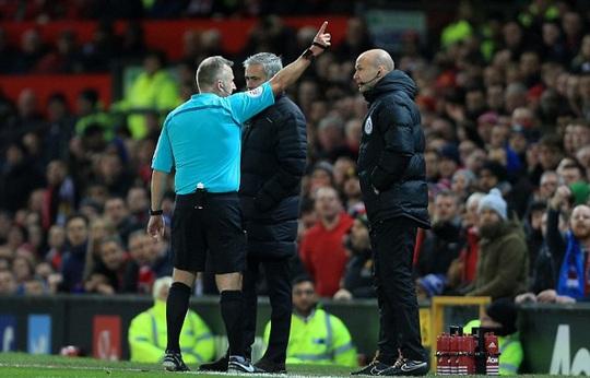 HLV Mourinho lần thứ hai bị đuổi ở mùa này