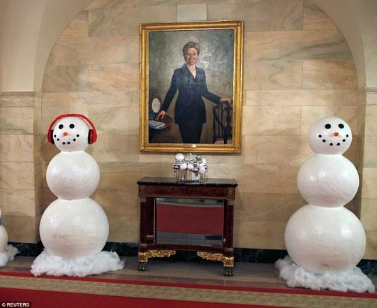 Chân dung của bà Hillary Clinton. Ảnh: Reuters