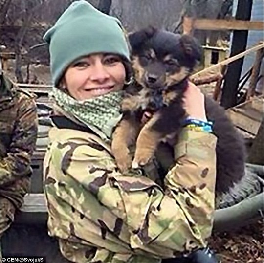 Những nữ binh sĩ Ukraine xinh đẹp gây bão mạng