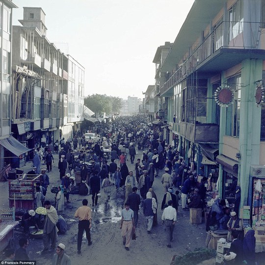 Kabul năm 1974 từng là một thành phố thân thiện, náo nhiệt. Ảnh: Francois Pommery