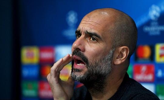 Guardiola gay gắt với báo chí vụ Man City mua Sanchez
