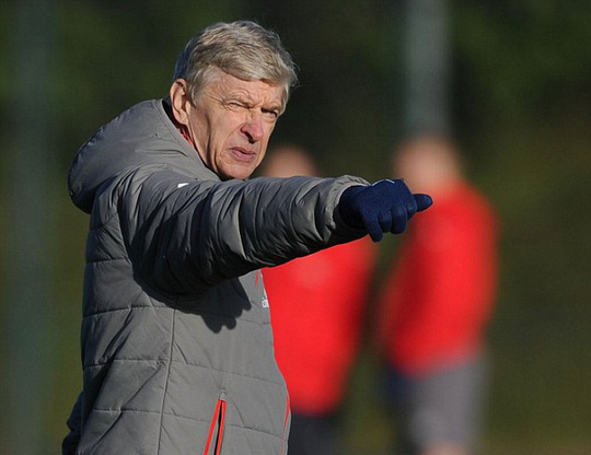 HLV Wenger chưa giành danh hiệu lớn nào với Arsenal hơn 10 năm qua