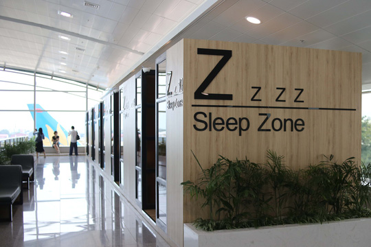 Một tiện ích khác phòng ngủ mini dành cho du khách muốn riêng tư, địa điểm nghỉ ngơi lý tưởng khi quá cảnh hay chờ máy bay bị delay.
