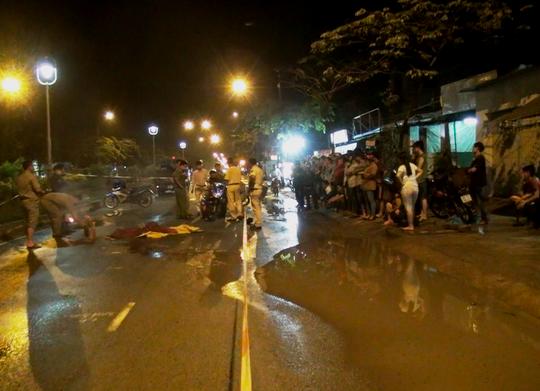 Thi thể nạn nhân nằm sát bên vũng nước lớn