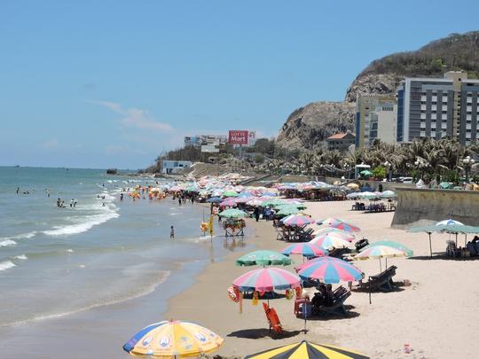 Du khách đến tỉnh Bà Rịa - Vũng Tàu chủ yếu chỉ tắm biển