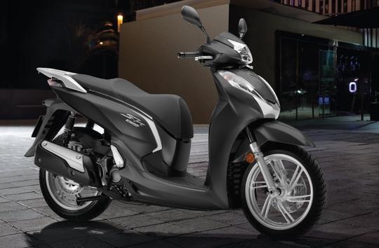 SH300i ABS phiên bản màu đen