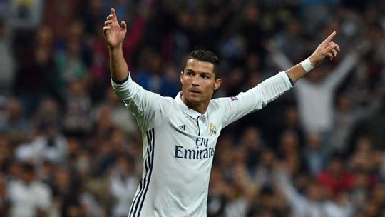 Ronaldo tỏa sáng trong màu áo Real
