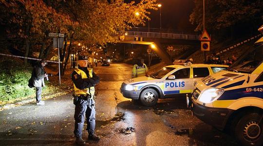 Cảnh sát TP Malmo vẫn đang truy lùng thủ phạm. Ảnh: Reuters