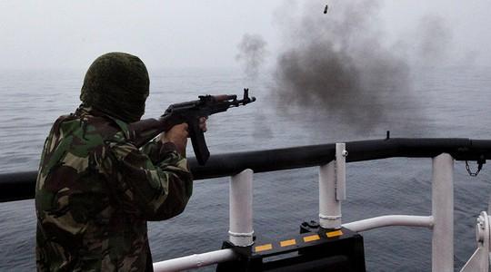 Lực lượng biên phòng Nga vừa đụng độ với tàu cá Triều Tiên. Ảnh: Sputnik