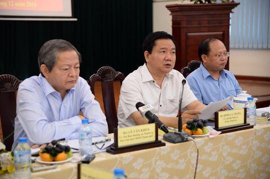 Bí thư Thành ủy TP HCM Đinh La Thăng chỉ đạo tại buổi làm việc