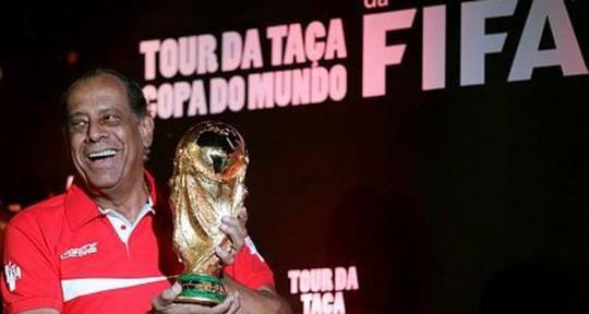 Pele sốc khi đội trưởng Brazil 1970 qua đời vì đau tim