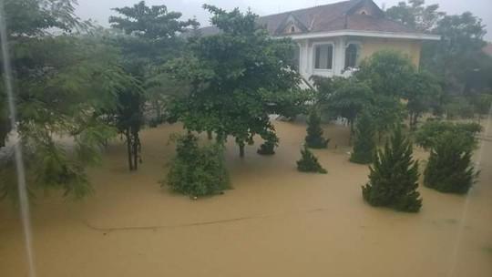 Một trường học ở huyện Bố Trạch bị ngập nước