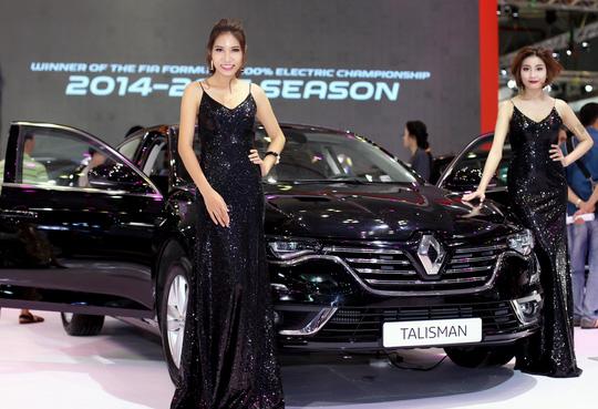 Renault Talisman với tông đen quý phái
