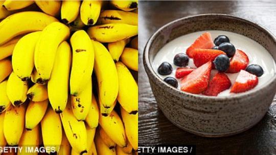 Chuối và sữa chua thúc đẩy quá trình phục hồi cơ bắp. (Ảnh: getty images)