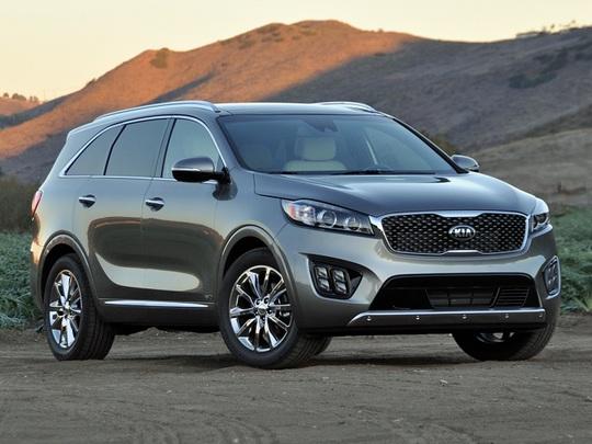 Những mẫu ô tô đang giảm giá mạnh nhất dịp cuối năm