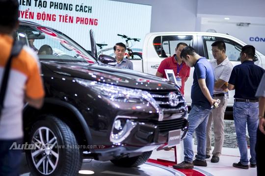 Những mẫu xe ô tô có mức giá hợp lý và những thương hiệu gần gũi với người tiêu dùng lại hấp dẫn được sự quan tâm của khách hàng.