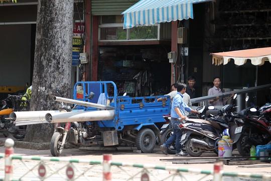 """""""Thần chết"""" di động trên phố Sài Gòn"""