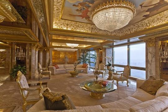 Bên trong biệt thự dát vàng của Donald Trump