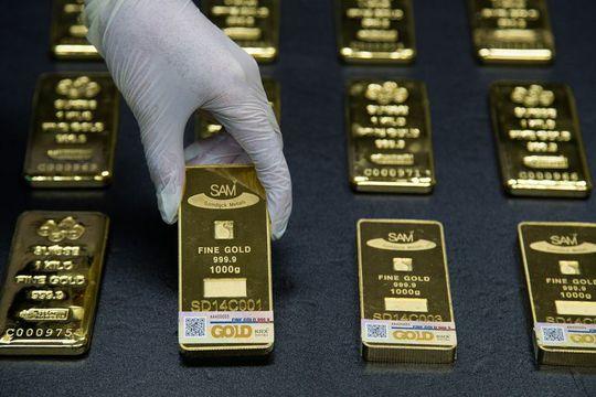 Vàng miếng loại 1 kg. Ảnh: Bloomberg