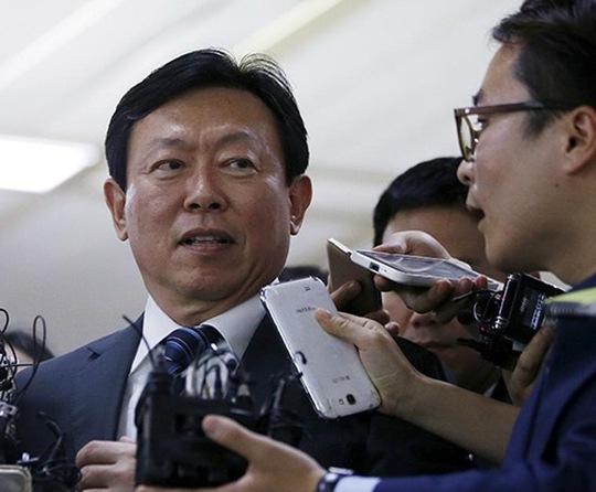 Chủ tịch Tập đoàn Lotte Shin Dong-bin. Ảnh: Reuters
