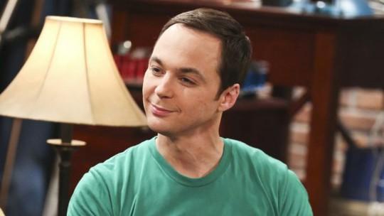 Jim Parsons vai Sheldon trong phim The Big Bang Theory