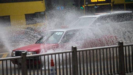Mưa lớn gây lụt lội ở Hồng Kông tuần này. Ảnh: EPA