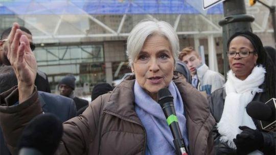 Bà Jill Stein, người nộp đơn yêu cầu kiểm phiếu lại tại 3 bang. Ảnh: REUTERS