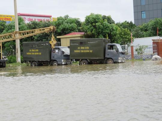 Nước vẫn còn ngập ở TP Đồng Hới
